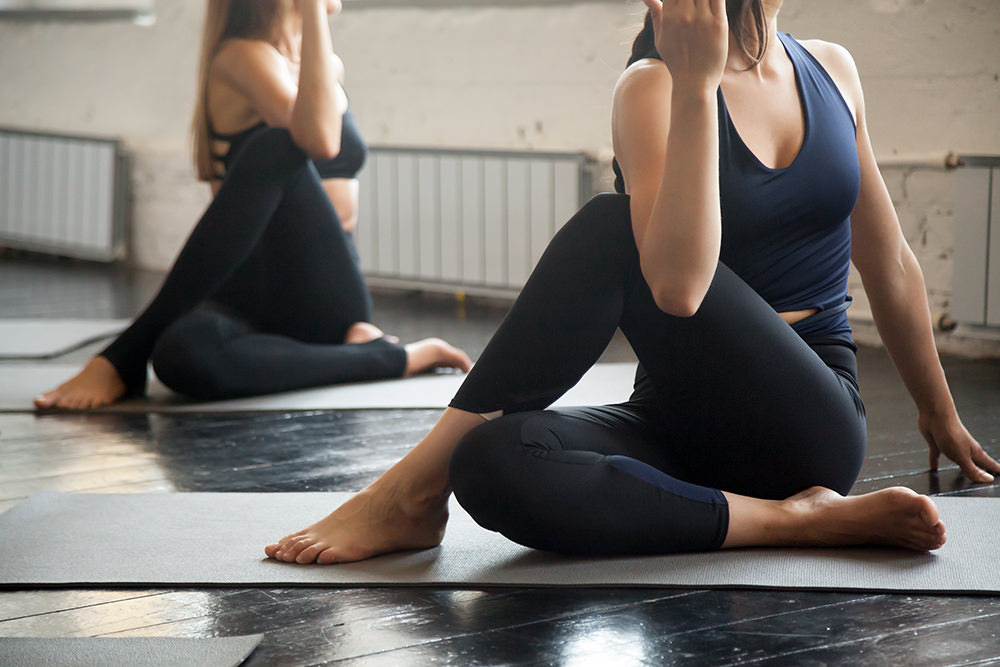Sitting spinal strecth | Sciatica stretches | Flarin