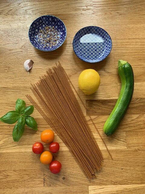 Lemony courgette spaghetti | anti inflammatory recipe | flarin